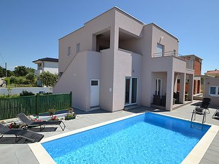 4 bedroom Villa in Zaton, North Dalmatia, Croatia : ref 2296111