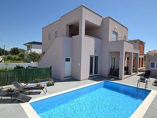 4 bedroom Villa in Zaton Obrovacki, Zadarska Zupanija, Croatia : ref 5029174