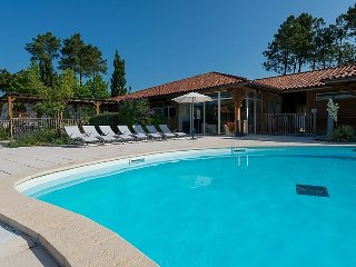 3 bedroom Villa in Biscarosse, Les Landes, France : ref 2253261