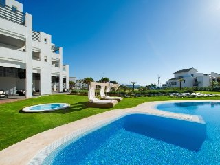 2 bedroom Apartment in Estepona, Costa del Sol, Spain : ref 2252922