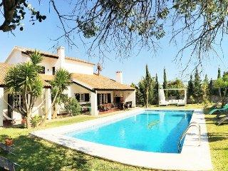 5 bedroom Villa in Charneca de Caparica, Lisbon Tejo Valley, Portugal : ref