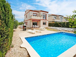 5 bedroom Villa in L'Ametlla de Mar, Costa Daurada, Spain : ref 2242440