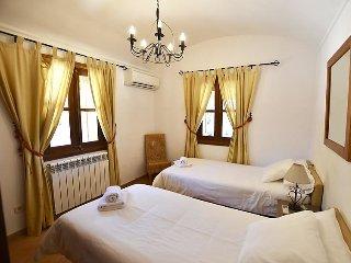 8 bedroom Villa in Costitx, Mallorca, Mallorca : ref 2242256