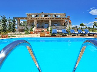 6 bedroom Villa in Zadar Sukosan, North Dalmatia, Croatia : ref 2236901