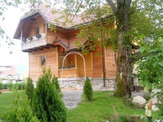 Wood House Nina Bled