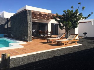2 bedroom Villa in Playa Blanca, Lanzarote, Canary Islands : ref 2217301