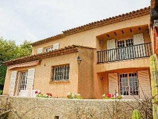 4 bedroom Villa in Saint-Raphael, Provence-Alpes-Cote d'Azur, France : ref 50597