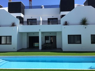 Modern luxury  bungalow 4 ( persons with swimming pool and private parking