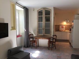 Le Studio Rouge  de la maison du porche, Quinson