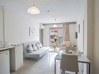 Willow Apartment|1 Bed|Sleeps 3|Free WiFi