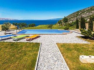 4 bedroom Villa in Gospic, Licko-Senjska Zupanija, Croatia : ref 5026026