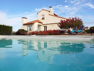 5 bedroom Villa in Vaux Sur Mer, Poitou Charentes, France : ref 2059729, Pontaillac