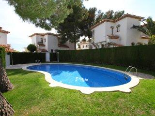 C46 RIOJA2 adosado con jardín, barbacoa y piscina