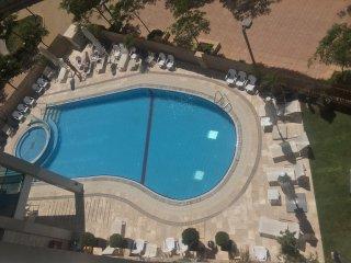 North Tel Aviv - Sea-View 2 Bed Apt - Pool & Gym