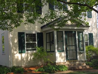 Paris in The Park *3 bedroom, 2 bath* Close to everything!!, Saint Louis Park