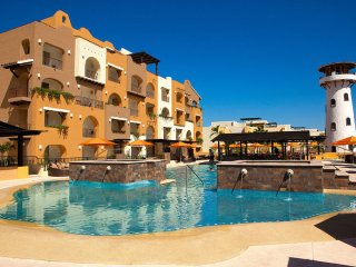 Wyndham Tesoro Los Cabos: 1-Bedroom / Master Suite, Sleeps 4, with Kitchen, Cabo San Lucas