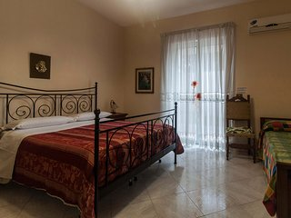 Apartment with 2 bedrooms & kitchen near Pompeii, Naples, Capri and Sorrento