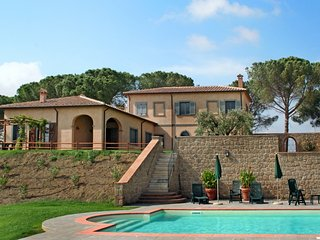 4 bedroom Villa in Pomonte, Tuscany, Italy : ref 5055939