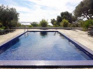 5 bedroom Villa in Hyeres, Provence-Alpes-Cote d'Azur, France : ref 5051618