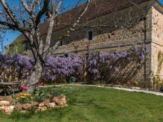 Gîte Dordogne, with pool & jacuzzi, Cénac-et-Saint-Julien