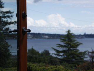 Aloha Victoria - Studio Suite with Mountain and Ocean Views, Colwood