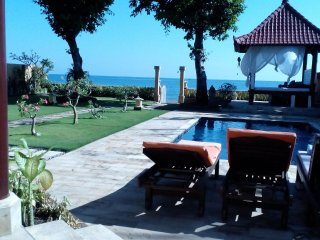 Beach Front villa, Banjar / Lovina.