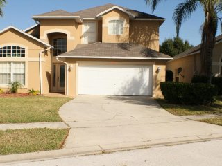 Great Location 6 Bed Pool Home Close to Disney