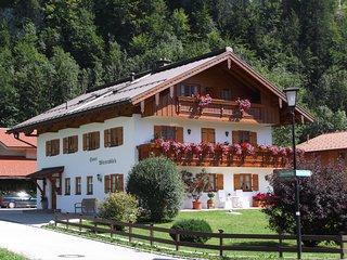 Komfort Wohnung 40qm, Urlaub, Erholung im Chiemgau, Chiemsee Nahe, Alpenregion