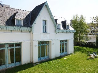 3 bedroom Villa in Dinard, Brittany, France : ref 5699614