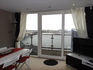 2 Bedroom Appartment with sea views available for Champion League Finals, Cardiff