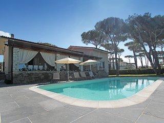 5 bedroom Villa in Motrone di Versilia, Tuscany, Italy : ref 5333409