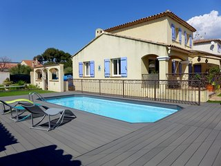 3 bedroom Villa in Les Lecques, Provence-Alpes-Côte d'Azur, France : ref 5311635