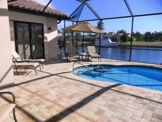 Beautiful Cape Coral Villa Valparaiso