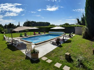 'Les Cypres': Lovely and typical: Gite in Provence with heated pool