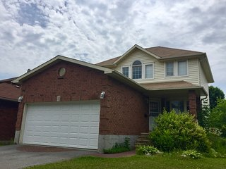 Spacious Kingston, Ontario House near Parks, Golf & Marina