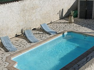 3 bedroom Villa in La Seyne-sur-Mer, Provence-Alpes-Cote d'Azur, France : ref 52