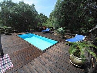3 bedroom Villa in Marina di Felloniche, Apulia, Italy : ref 5250858