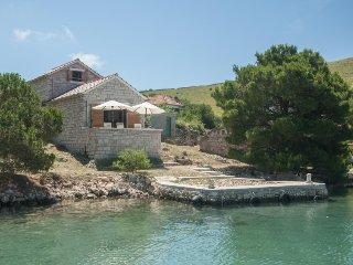 2 bedroom Villa in Sibenik, Sibensko-Kninska Zupanija, Croatia : ref 5177867
