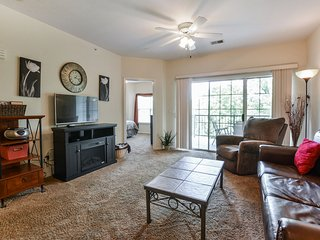 Walk-In (no stairs!) w/ Jacuzzi, Wifi, Pool, Golf, Cable/Bluray at Holiday Hills