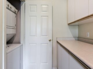 WalkIn (no stairs) 2BR Netflix-Jacuzzi-Wifi-Pool-Golf-Cable at Holiday Hills