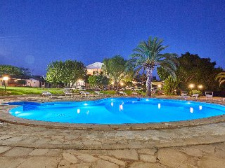 9 bedroom Villa in Modica, Sicily, Italy : ref 2378987