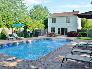 Village House with Pool - 1m to Rogers Beach, Westhampton Beach