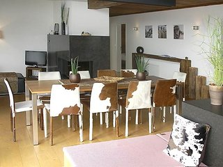 5 bedroom Apartment in Valbella, Mittelbunden, Switzerland : ref 2371207