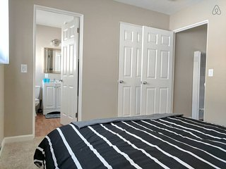 Super Clean & Cozy 1BD/1BR Biz & Nurse Ready