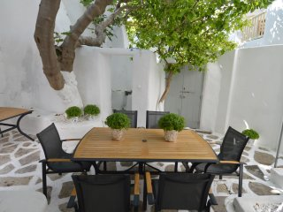 HOUSE IN THE HEART OF MYKONOS TOWN!