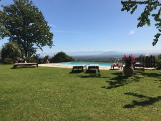 OFFER JUNE!!IDYLLIC COTTAGE CLOSE TO ROME INFINITY POOL WITH FANTASTIC VIEW WIFI, Trevignano Romano
