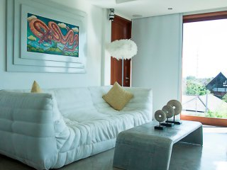 Chic & luxurious with cozy rooftop 1 bedroom apartment at Seminyak Center