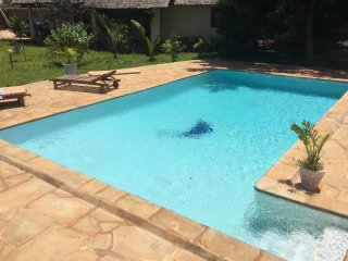 FOR RENT HOUSE WHIT POOL LONGTIME OR SHORTIM RENTAL Diani beach