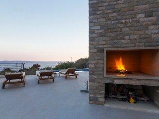 Holiday home Oscar Makarska w/ pool, sea & mountain view