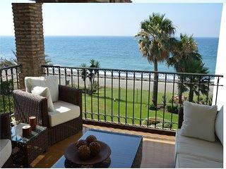 2 bedroom. Front line beach Estepona-HB